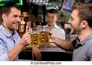 酒吧, 人, 二, 年輕, 啤酒, cheers!, 喝酒