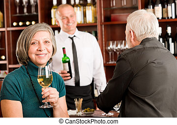 酒吧, 夫婦, 男服務員, 年長者, 討論, 酒