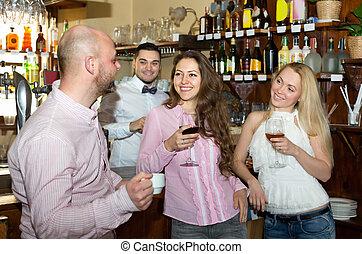 酒吧, 男服務員, 朋友