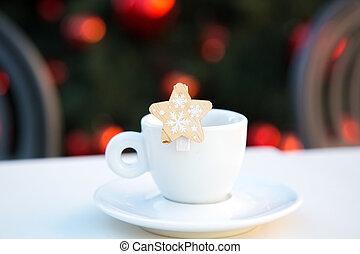 酒吧, snowflakes., 白色 背景, 椅子, 新, 木制, 杯子, 聖誕節, 被模糊不清, congratulations., scene., 裝飾, 咖啡, 紅色, balls., 年, 星, 單獨, 慶祝, 樹, 茶碟, 瓷器