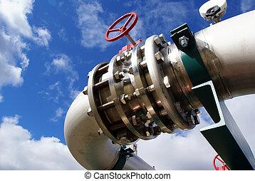 針對, 藍色的天空, 螺栓, 管子, 閥門