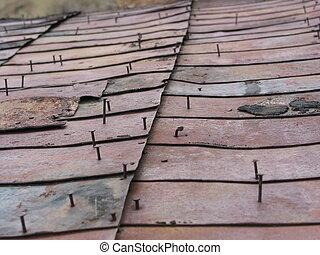 錫, 4, 屋頂