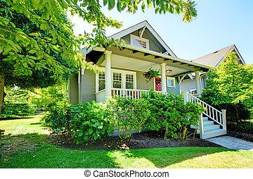 門廊, 房子, 灰色, railings., 小, 白色