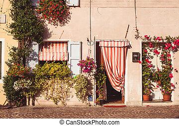 院子, 意大利語