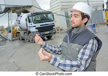 領班, 給, 工人, 工人, 駕駛員, 建設, 指示