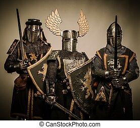 騎士, 三, 中世紀