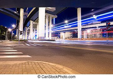 高架橋, 夜晚