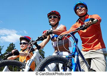 bicycles, 家庭