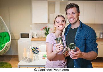 recycling., 藏品, 家庭, 金屬, 年輕, 再利用, 錫罐, 背景, 微笑, 廚房