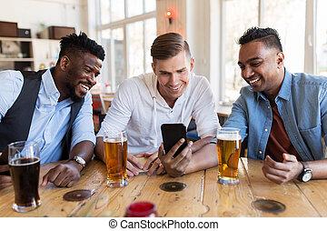 smartphone, 酒吧, 啤酒, 喝酒, 男性, 朋友